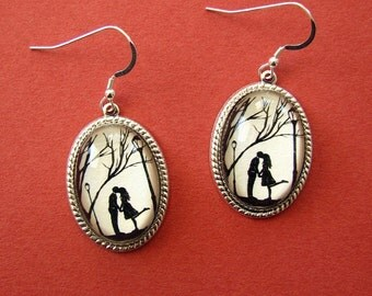 Sale 20% Off // AUTUMN KISS Earrings - Silhouette Jewelry // Coupon Code SALE20