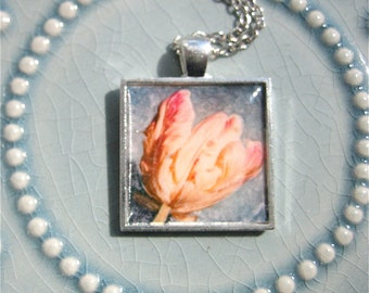 Tulip Pendant - Art Photo Pendant