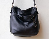 CROSSBODY BOHO PETITE - leather messenger bag - with outside pockets and int zip pocket - choice of leather color