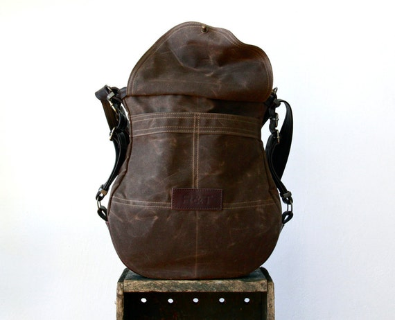 R&T THREE WAY 1903  -  messenger, shoulder bag, and backpack  -  ten pockets - waxed canvas bag