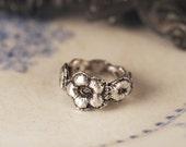 Daisy Lace Ring