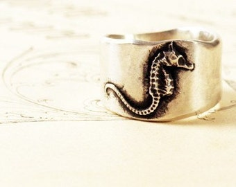 Flying Seahorse Ring