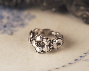 Daisy Lace Ring