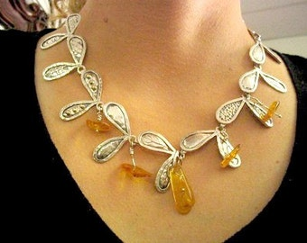Silver Amber Necklace, Hammered Bib Necklace, Amber Necklace, Baltic Amber Necklace, Amber Jewelry, Statement Necklace,Hand Crafted Necklace