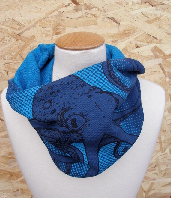 Blue Octopus Cowl