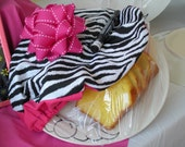 Pass It On Plate with Wild Thing PlateWrap and Pink Grosgrain Bow