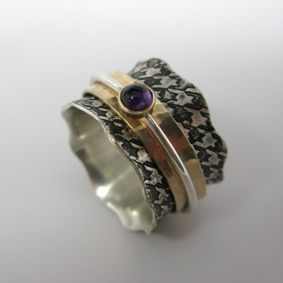 Houndstooth Spinner Ring with Amethyst stone