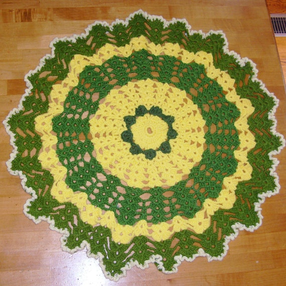 Vintage Crochet Doily or Rug, Green Yellow,  Pet Mat, Table Topper,  Photo Prop, 70s Kitschy