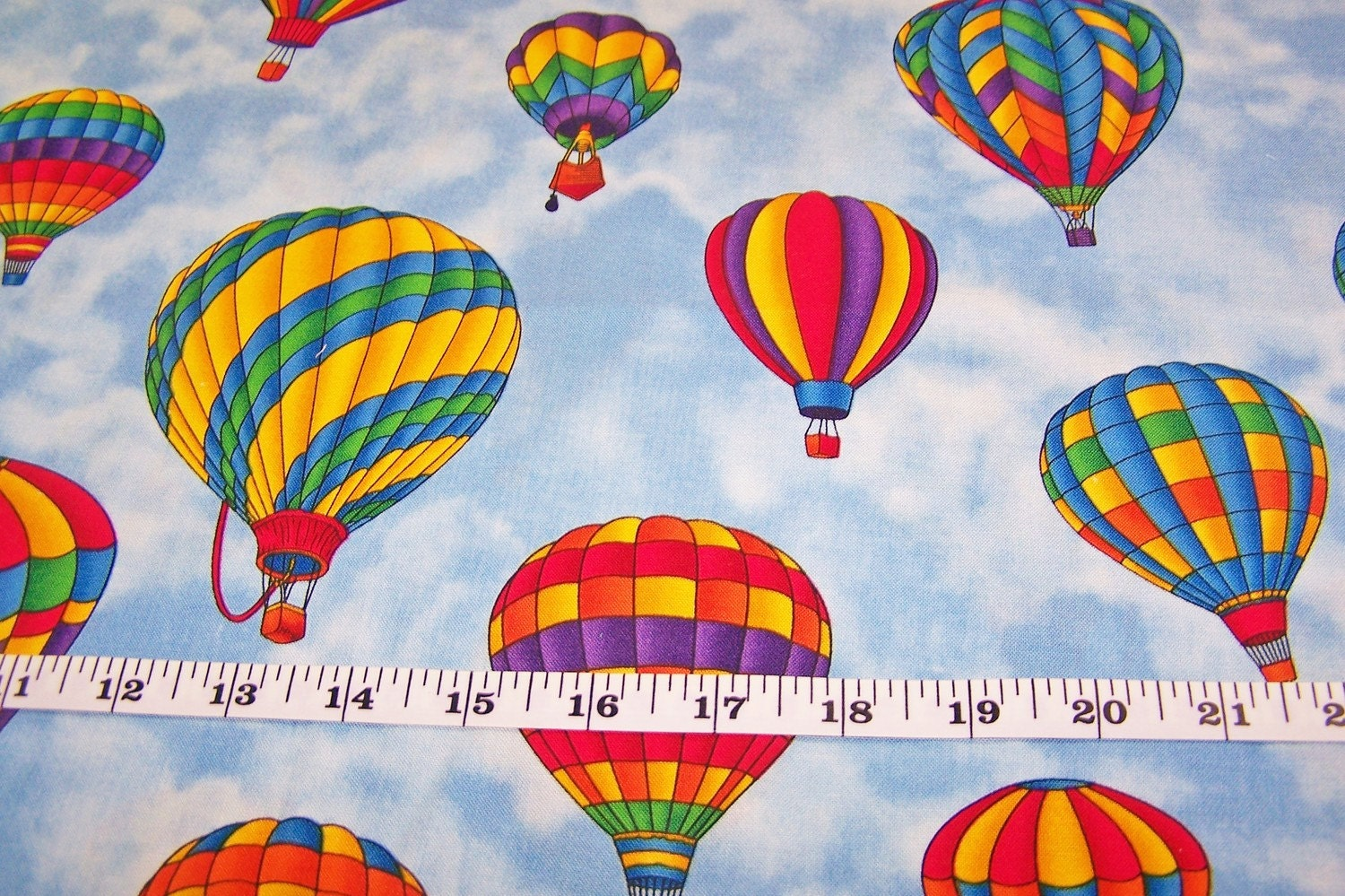 Fabric Traditions Cotton Fabric Hot Air Balloons 1 1 4