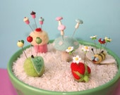 Assorted Pincushion Ring with Coordinating Pin Toppers Set