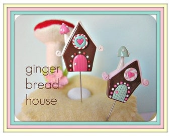 Candyland Gingerbread House Pin Topper