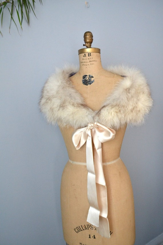 upcycled Norwegien white fox fur scarf shawl capelet satin ribbon