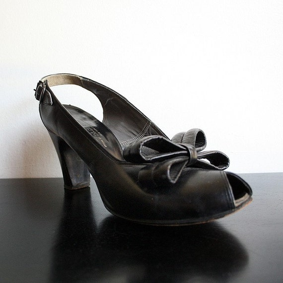 Vintage Black Starlet Slingback Heels with Huge Double Bow and Peeptoes - Leather