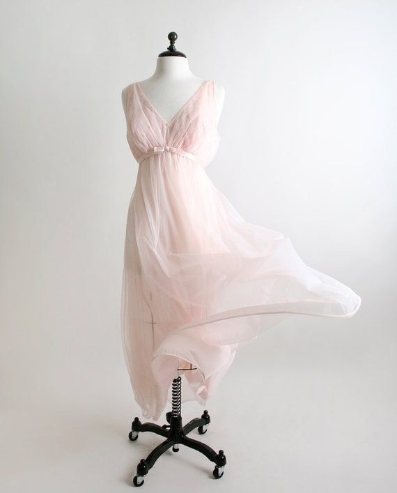 Vintage Vanity Fair Maxi Nightgown - Sheer Pastel Pink Floral Lace Bust - Large XL Valentines Day Sweetheart