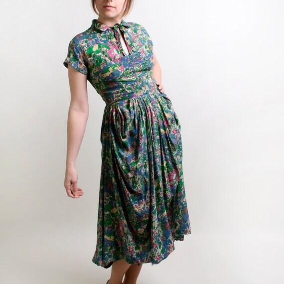 Vintage Draped Dress with Circus Carousel Print - Kelly Green People Dress - Mediuim