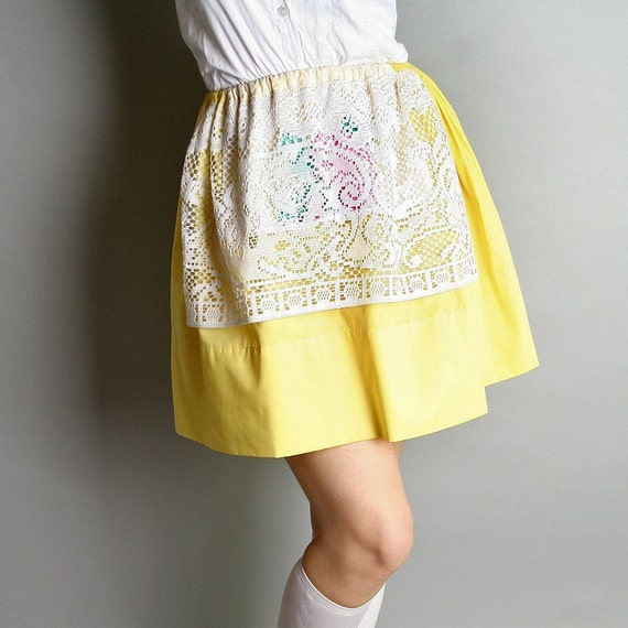 Vintage Apron Skirt Sunshine Lemon Yellow Floral Baker Prairie Fashion Harvest
