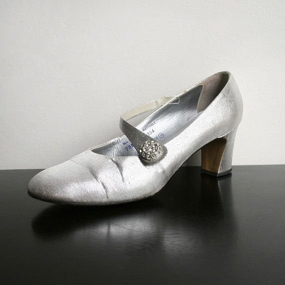 Vintage Silver Heels - Evening Prom Fashion QualiCraft Shoes - US 7