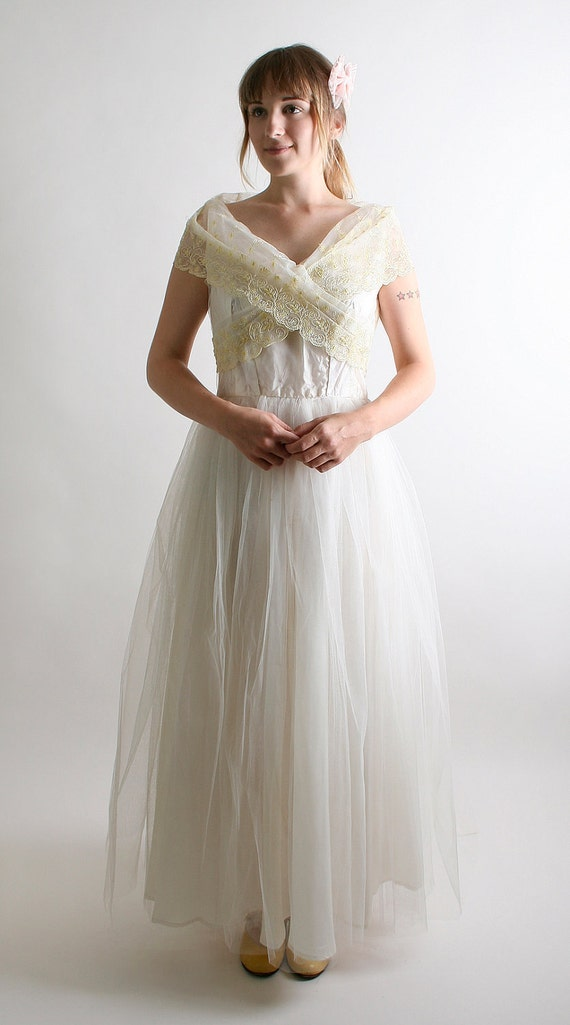 1950s Wedding Dress Winter Vintage Pure White and Lemon Yellow Tulle Prom Fashion