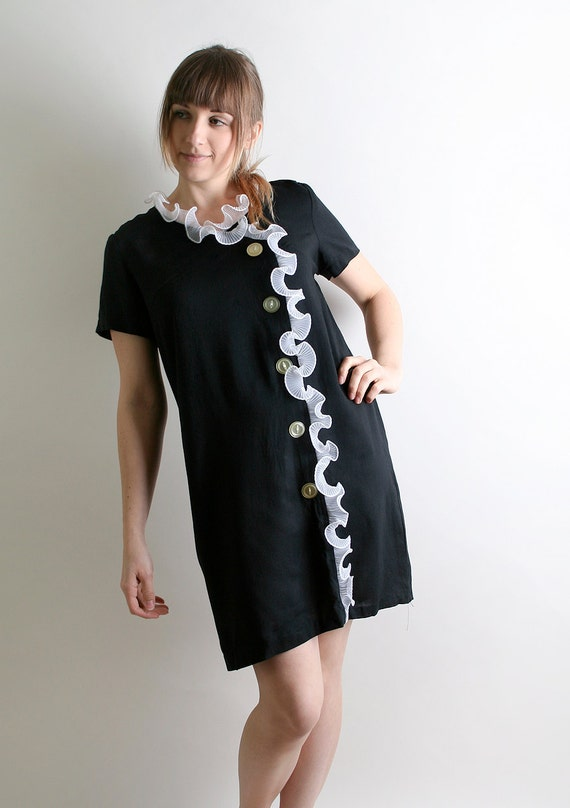 1960s Black and White Dress - Ruffle Trim Tunic - Large