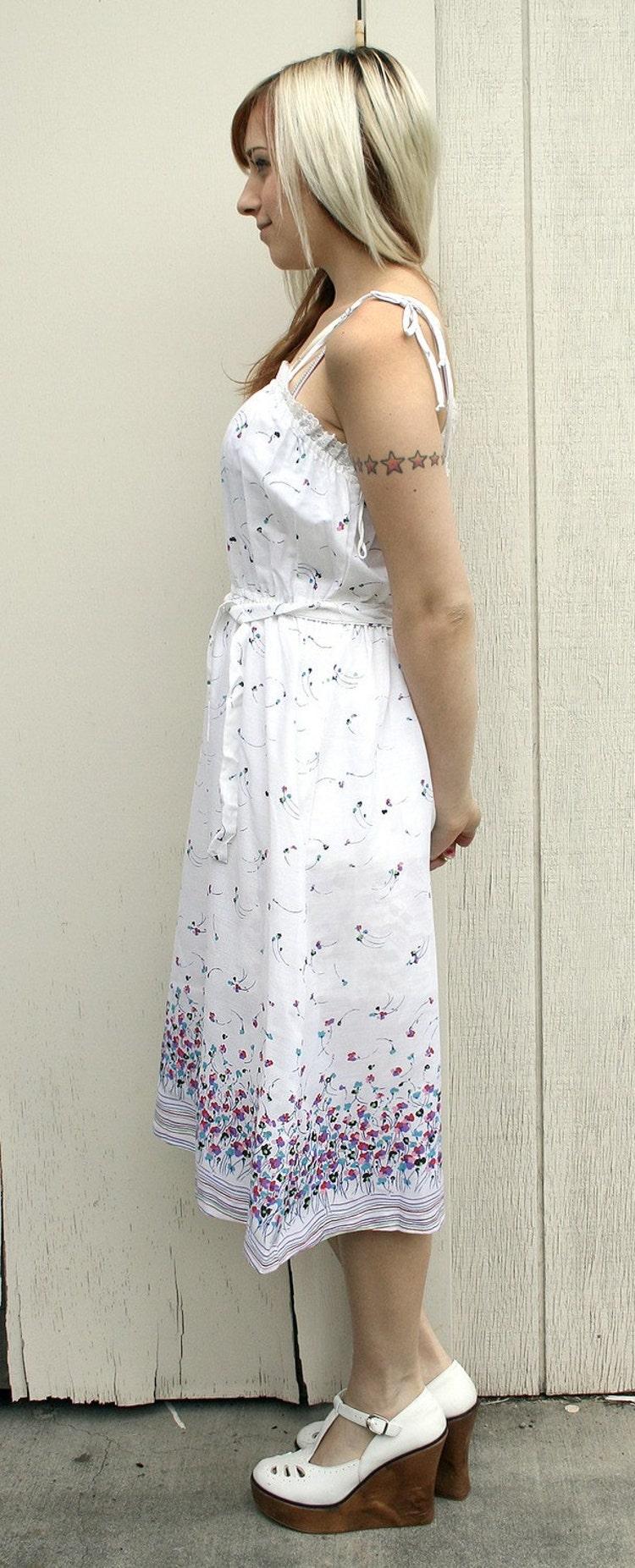 Flirty Fun Vintage White Floral Sundress By Zwzzy On Etsy