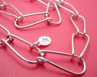 Structured U Links Necklace