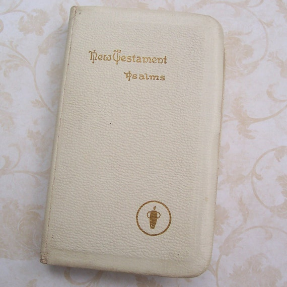 """Vintage 1941. . . New Testament & Psalms Bible,  Roosevelt commendation """"To the Armed Forces"""""""