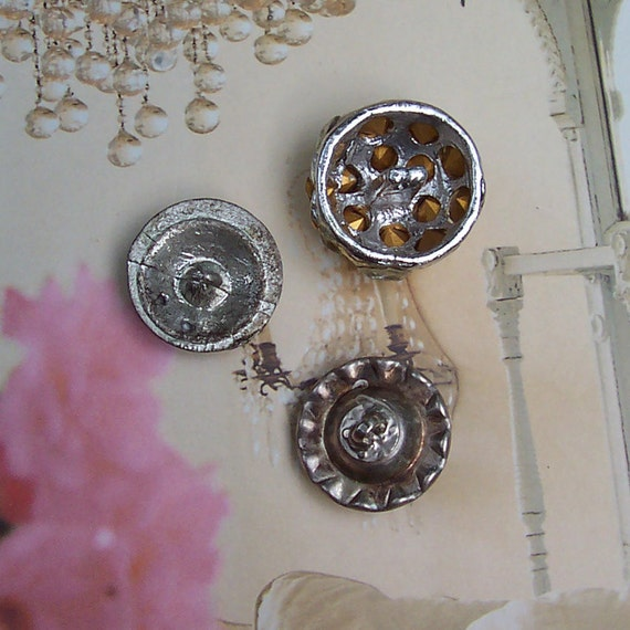 White pink amp yellow flowers appliques - Vintage Rhinestone Buttons 1940s Lot Of 3
