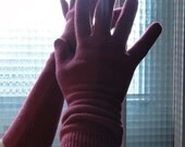 Upcycled cashmere pink gloves