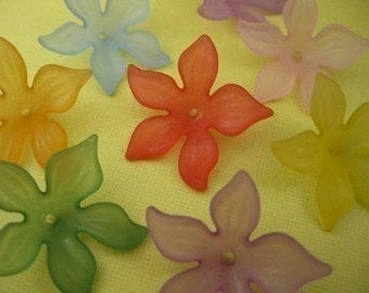 8 Piece Vintage  Lucite Flower Bead Mix
