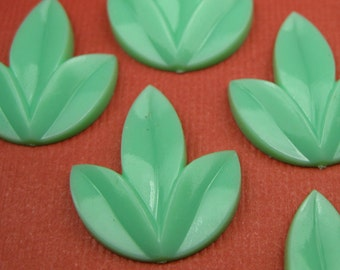 6 Vintage Green Leaf Cabochons