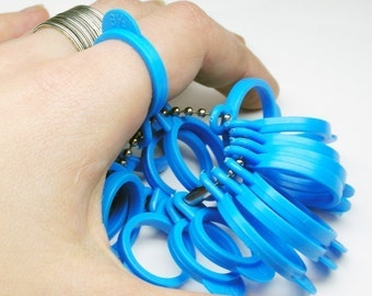 Blue plastic ring sizer - Measure your finger size accurately - Size 4 to 13