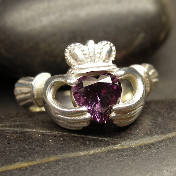 Alexandrite claddagh ring in sterling silver - Size 7