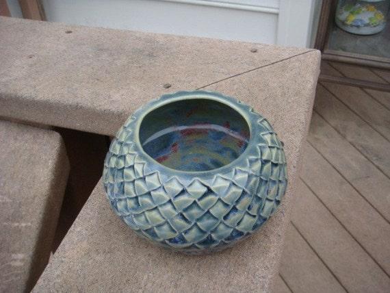 Green Reptilian Bowl