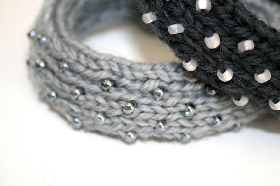 Dew Drop Knitted Bangle Bracelet in Pewter Gray - Medium