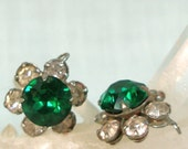 Rhinestone Dangles Emerald Green Flower