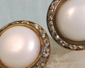 White Dome in Rhinestone Circle Earrings