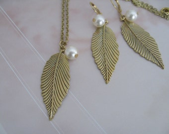 Antique Gold Leaflet Bridesmaids Necklace and Earrings Set - Bridal jewelry - Bridal Accessories