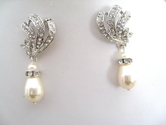Brides Bridesmaids Princess Rhinestones and Pearls Earrings- Bridal Jewelry-Wedding Jewelry-Bridal Accessories