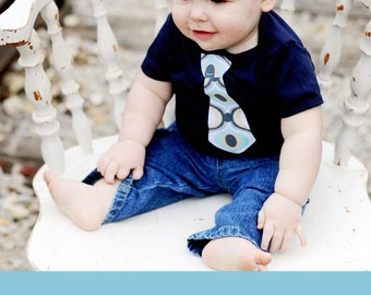 NAVY SHORT Sleeve Baby Bodysuit with a NECKTIE  Applique........Cute wedding, church, birthday or homecoming outfit