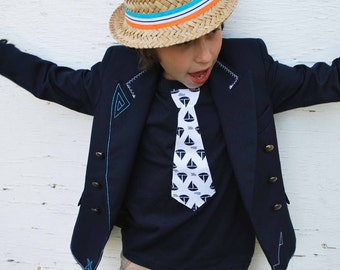 NAUTICAL NECKTIE APPLIQUE fine jersey t-shirt.... Very cute summer ouftit... Great church, Birthday outfit or family pictures