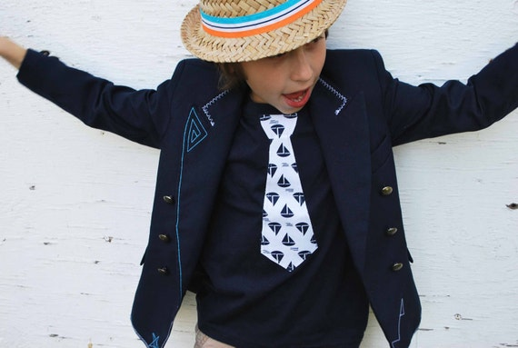 NAUTICAL NECKTIE APPLIQUE on fine jersey t-shirt.... Very cute summer ouftit... Great church, Birthday outfit or family pictures