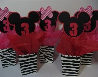 Minnie Mickey table decorations 6 in this listing