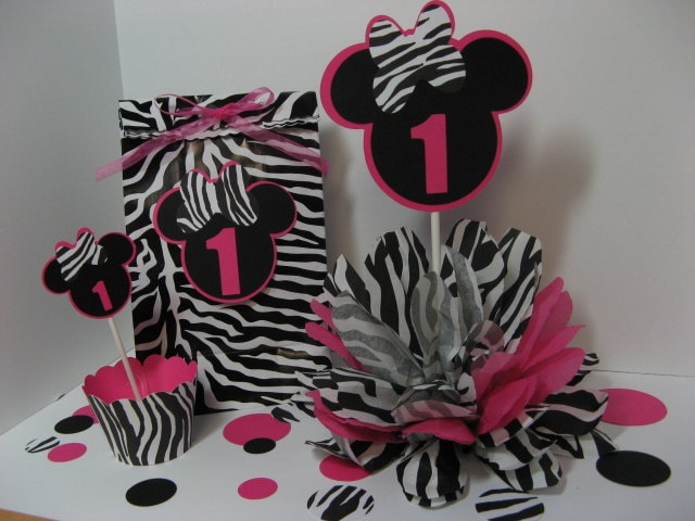 Reserved for jennifer 3 minnie mouse centerpieces by missdaisyw