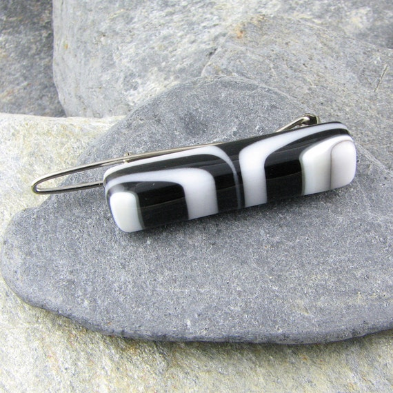 Barrette: Black, White and Ivory
