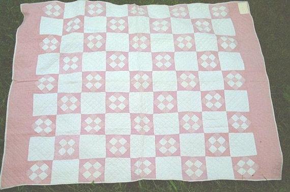 Super SALE -- Antique pink & white Tilted Nine Patch quilt, fine handquilting, hand pieced