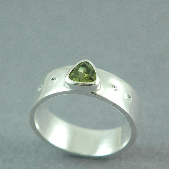 Sterling Silver Peridot Ring, Peridot Trillion Gemstone, Green Stone Ring, August Birthstone Ring, Made to Order, Free Courier Shipping