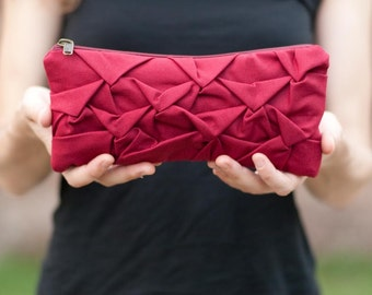 Piccola Ninfea pouch in cherry