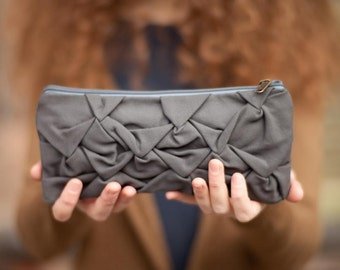 Piccola Ninfea pouch in gray cement