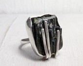 Dark night ring - Black green Aegirine mineral and sterling silver