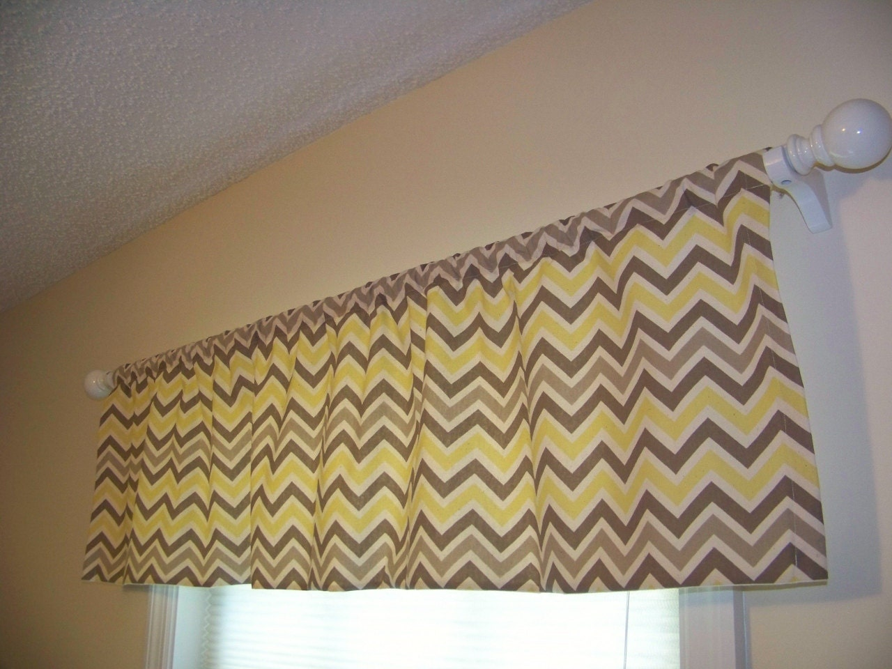 grey and yellow valance yellow and grey valance 52x12 rod pocket lined yellow and gray. Black Bedroom Furniture Sets. Home Design Ideas